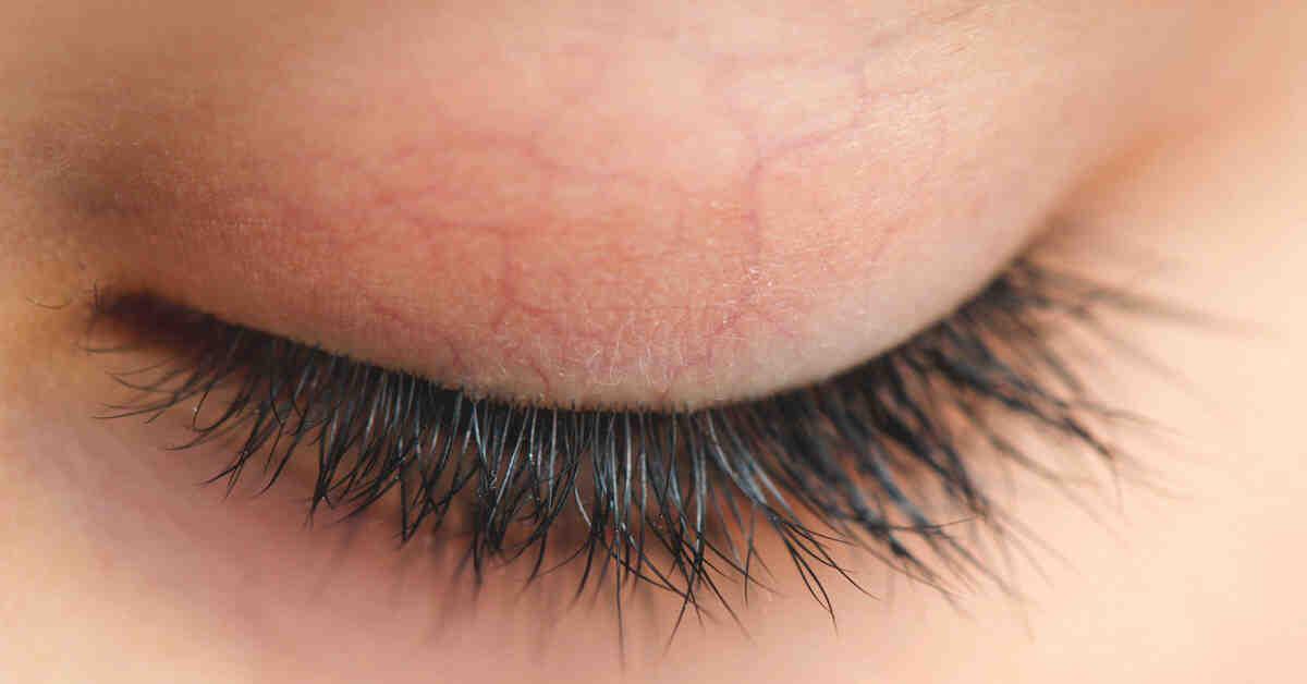 Est-ce que l'huile de ricin est dangereux pour les yeux ?